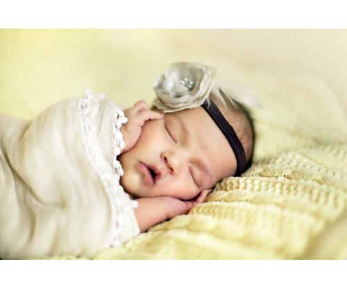 Oshi -Cute Sleeping Girl